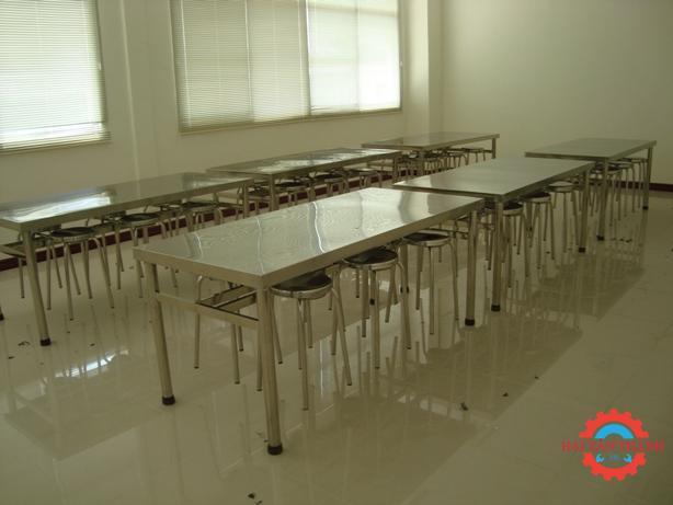 Dịch vụ gia công bàn ghế inox công nghiệp cao cấp tại quận 12