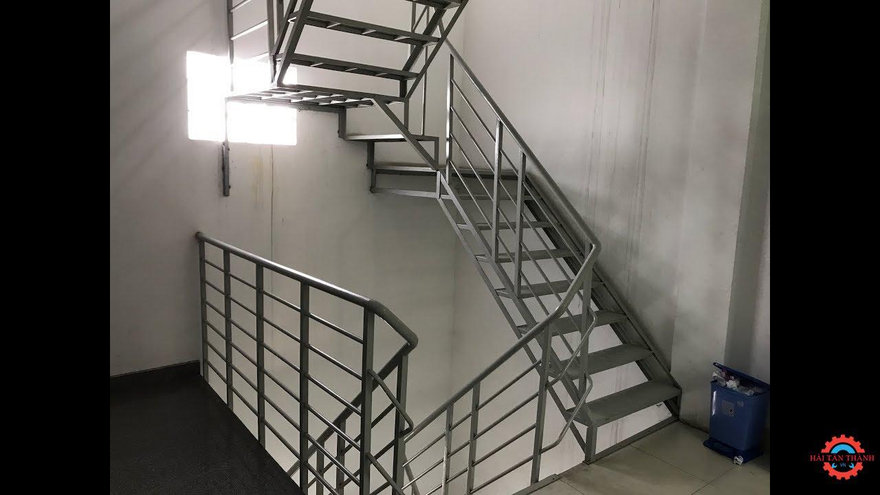 Tiêu chuẩn thi công cầu thang thoát hiểm chất lượng an toàn cho nhà cao tầng